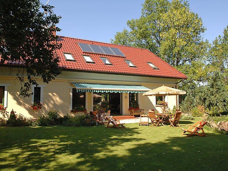5 bedroom Villa in Lipie Walcz, Pomerania, Poland : ref 2300297 - Image 1 - Miroslawiec - rentals