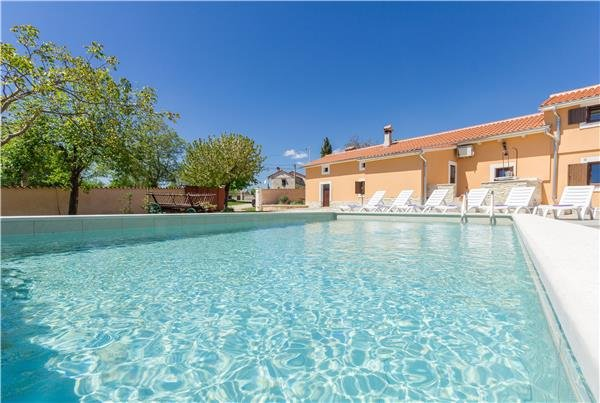 5 bedroom Villa in Gradisce, Istria, Gradisce, Croatia : ref 2301505 - Image 1 - Foli - rentals