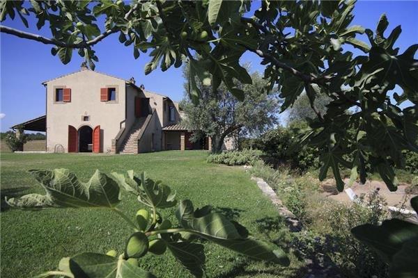 4 bedroom Villa in Orte, Lazio, Italy : ref 2302017 - Image 1 - Orte - rentals