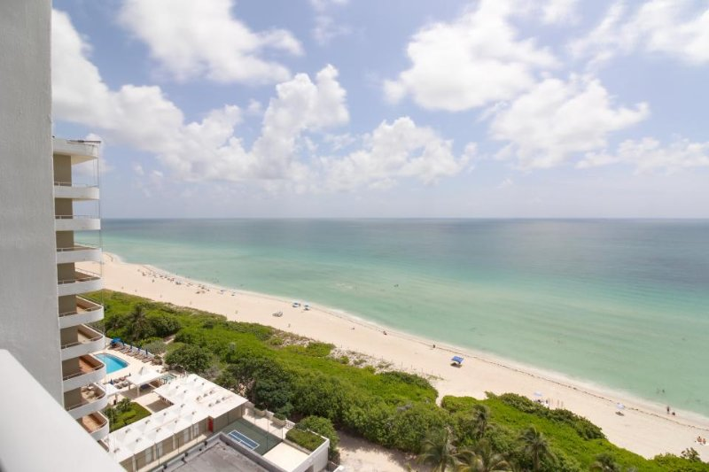 Modern beachfront condo w/ ocean view & resort amenities like a shared pool! - Image 1 - Miami Beach - rentals
