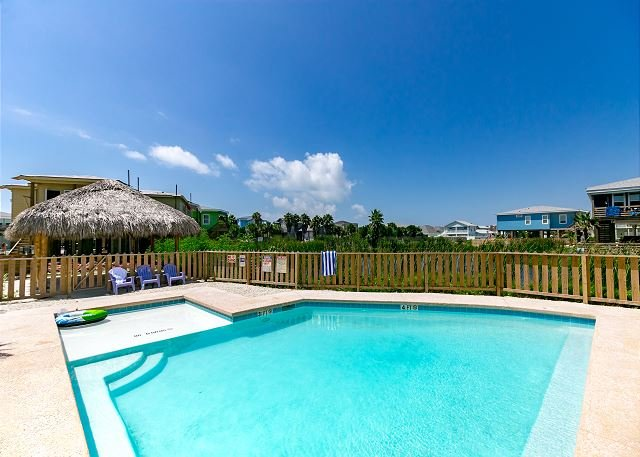 Shared Pool - Brand New House Jumpin' Jellyfish! Close to Beach, Private Fishing Pond, Pool - Port Aransas - rentals