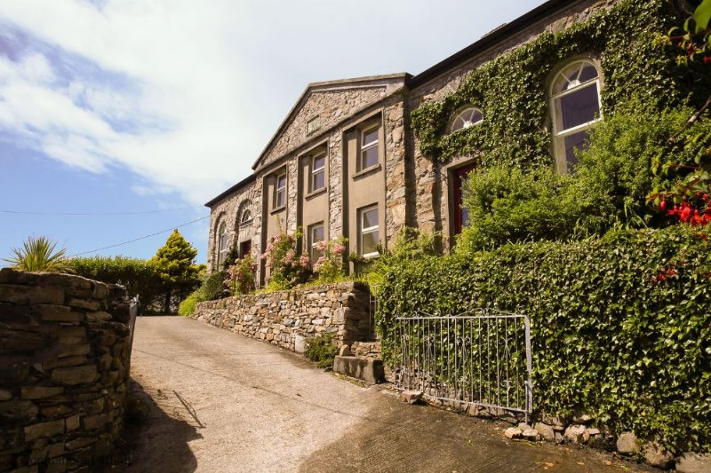 Old School House - 1-minute walk to Clifden town centre. Children are warmly welcomed. - Image 1 - Clifden - rentals