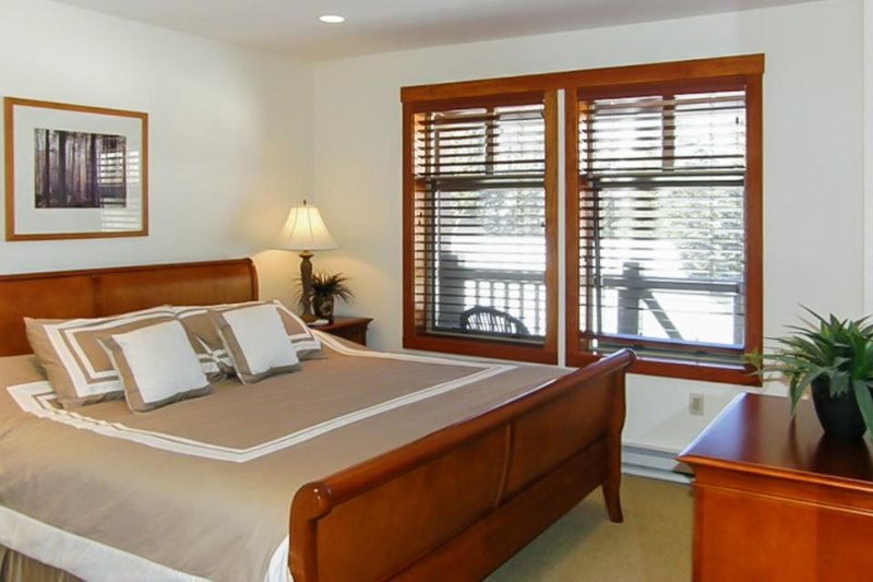 Ski-in/ski-out condo w/ deck & access to a pool, hot tub & more at Club Solitude - Image 1 - Solitude - rentals