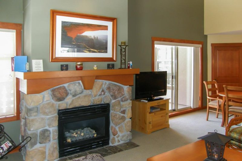 Ski-in/out condo w/shared pool, hot tub & more - awesome views! - Image 1 - Solitude - rentals