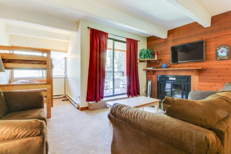 Convenient ski-in/ski-out lodge at Copper Mountain Resort w/ shared hot tub! - Image 1 - Copper Mountain - rentals