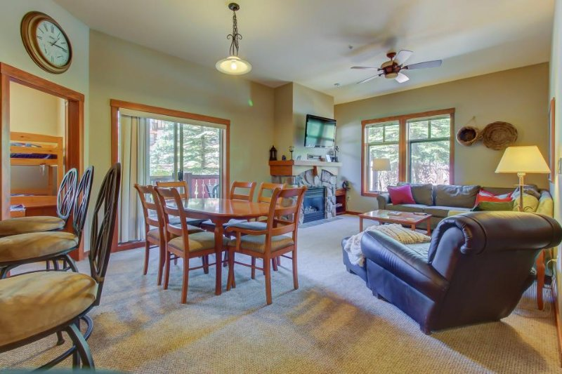 Ski-in/ski-out condo with a deck, ski views & a shared pool and hot tub! - Image 1 - Solitude - rentals