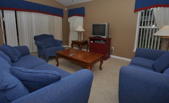 4 Bedroom 3 Bath Vacation Home with Pool and Games Room. 257SC - Image 1 - Davenport - rentals