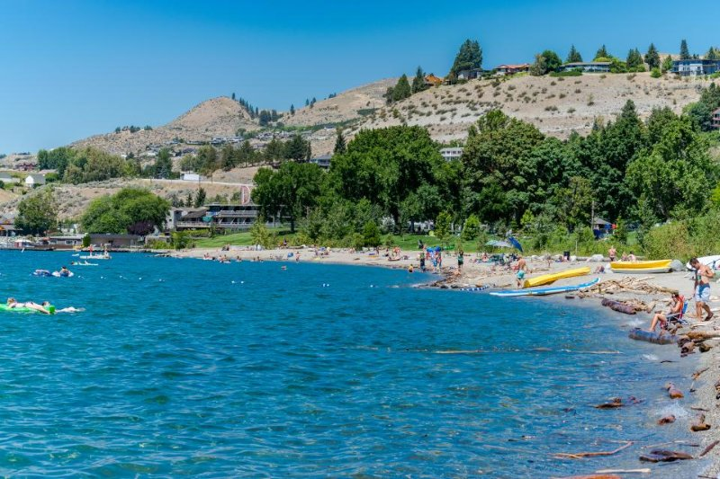 Great couples' getaway with shared pool & private patio! - Image 1 - Chelan - rentals