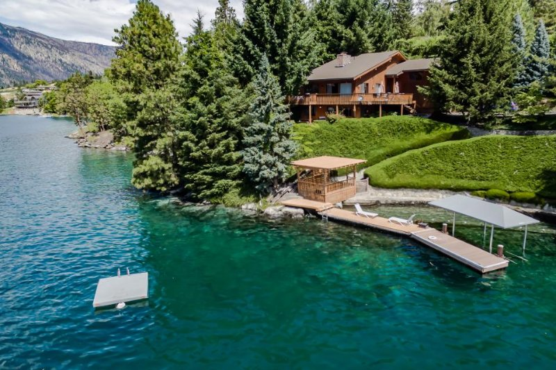 Lakefront cabin with breathtaking views and a private dock! - Image 1 - Manson - rentals