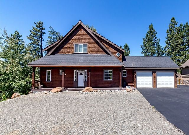Welcome to Roslyn Pines located in Roslyn Ridge. Only 6 miles from Suncadia Resort. - 3rd Nt FREE | Custom Cabin Near Suncadia, Chefs Kitchen, Hot Tub, Slp9 - Ronald - rentals