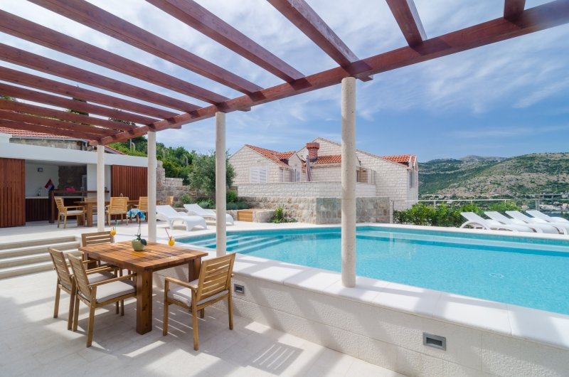 Villa Diana with Swimming Pool: Cozy apartm. Diana - Image 1 - Dubrovnik - rentals