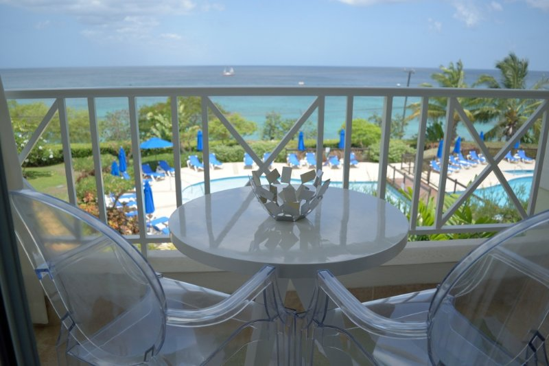 Beach View 309, Paynes Bay, St. James, Barbados - Image 1 - Saint James - rentals