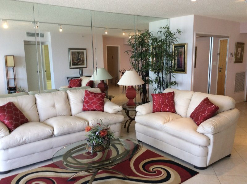 Bal Harbour Florida - Condo on the beach - Image 1 - Bal Harbour - rentals