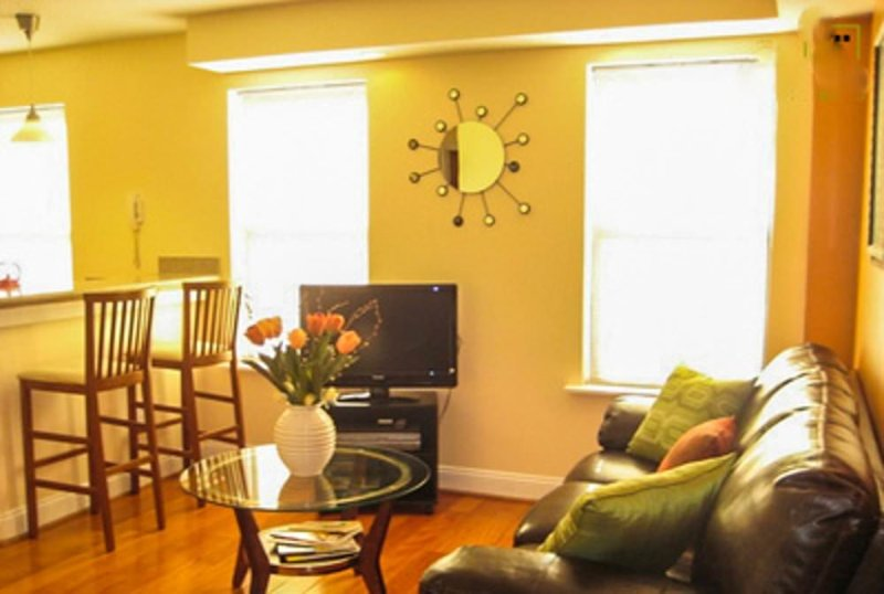 COZY AND STUNNINGLY FURNISHED 1 BEDROOM APARTMENT - Image 1 - Washington DC - rentals