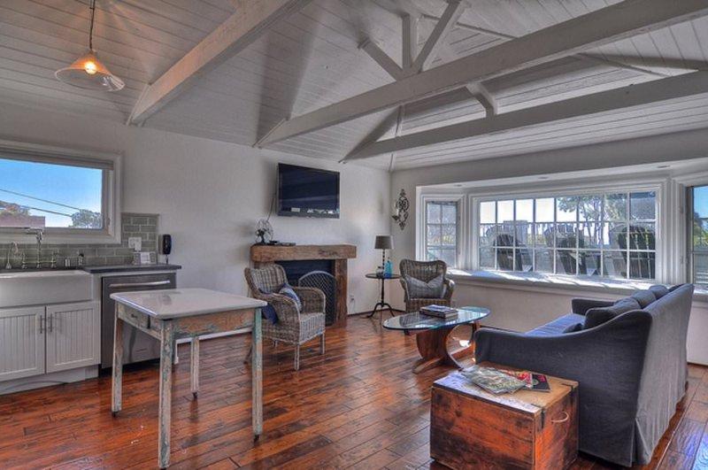 Furnished 1-Bedroom Cottage at Coast Hwy & 3rd Ave Laguna Beach - Image 1 - Laguna Beach - rentals