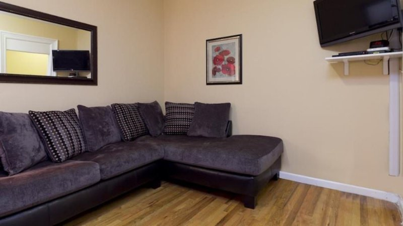 Comfortable 1 Bedroom, 1 Bathroom Apartment in Midtown West - Fully Furnished - Image 1 - New York City - rentals