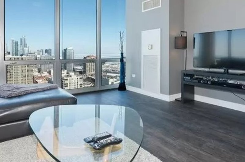 MODERN AND BRILLIANTLY FURNISHED 2 BEDROOM CONDO IN CHICAGO - Image 1 - Chicago - rentals