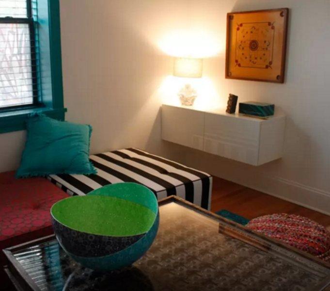 STYLISH, COZY AND ELEGANT 2 BEDROOM, 1 BATHROOM APARTMENT - Image 1 - Chicago - rentals