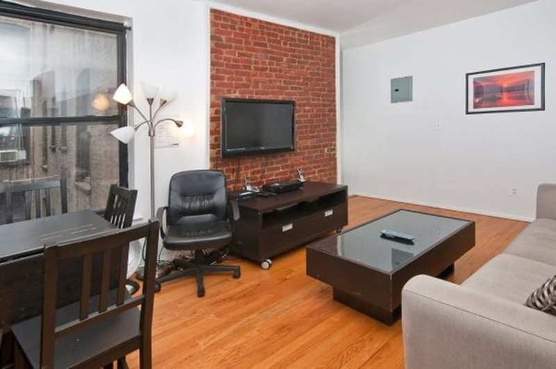BEAUTIFULLY FURNISHED 2 BEDROOM, 1 BATHROOM APARTMENT - Image 1 - New York City - rentals