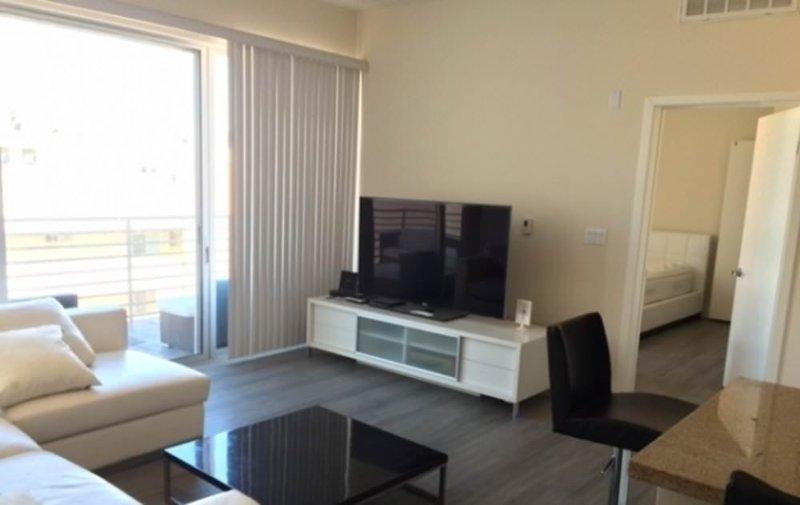 Furnished 2-Bedroom Apartment at 4th St & Arizona Ave Santa Monica - Image 1 - Santa Monica - rentals