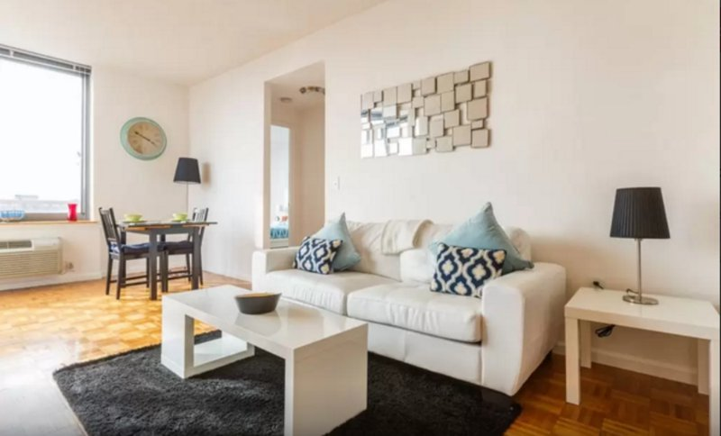 LUXURIOUS AND SPACIOUS 1 BEDROOM, 1 BATHROOM APARTMENT - Image 1 - Jersey City - rentals