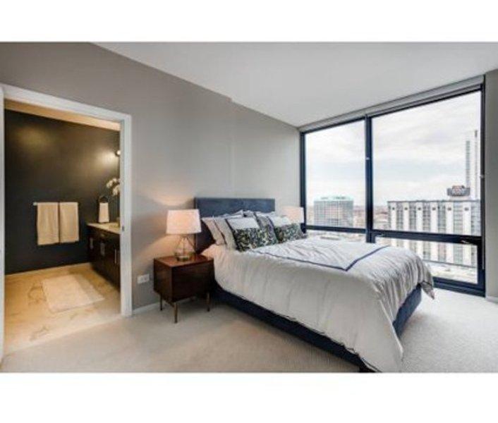 ELEGANT AND LUXURIOUS 1 BEDROOM, 1 BATHROOM APARTMENT - Image 1 - Chicago - rentals