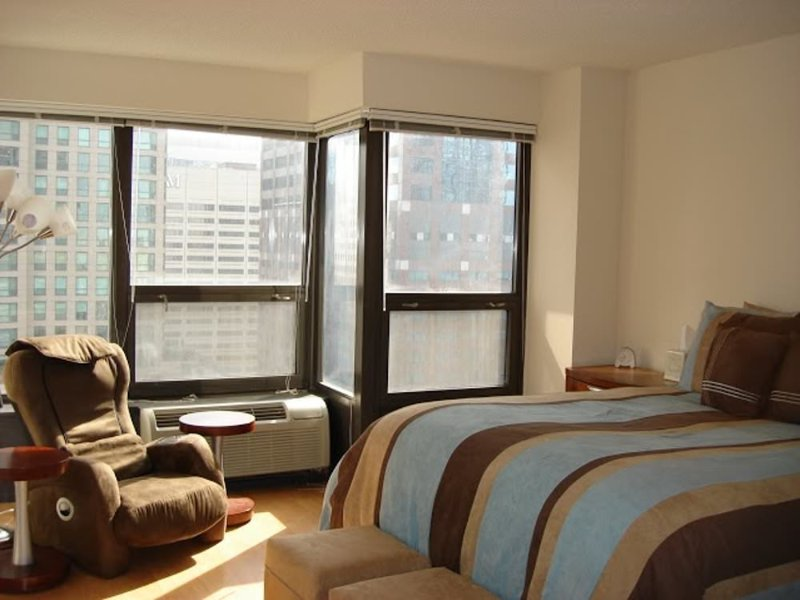 CLEAN AND CHARMING 1 BEDROOM 1 BATHROOM UNIT - Image 1 - Chicago - rentals
