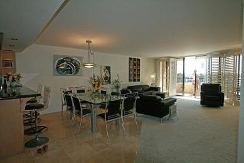LUXURIOUS AND SPACIOUS 3 BEDROOM, 2 BATHROOM APARTMENT - Image 1 - Marina del Rey - rentals