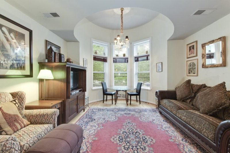 STUNNING AND FURNISHED 1 BEDROOM CONDO IN WASHINGTON - Image 1 - Washington DC - rentals