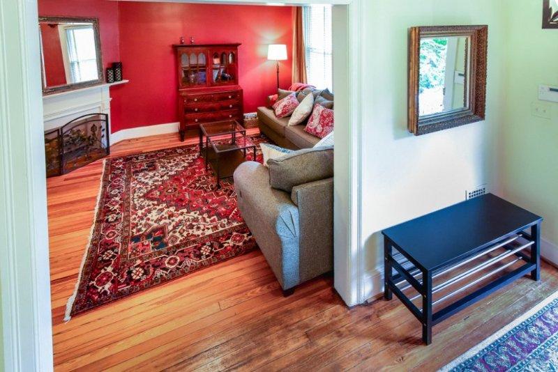 Tastefully Furnished 3 Bedroom 2.5 Bathroom Apartment - Image 1 - Fairlawn - rentals