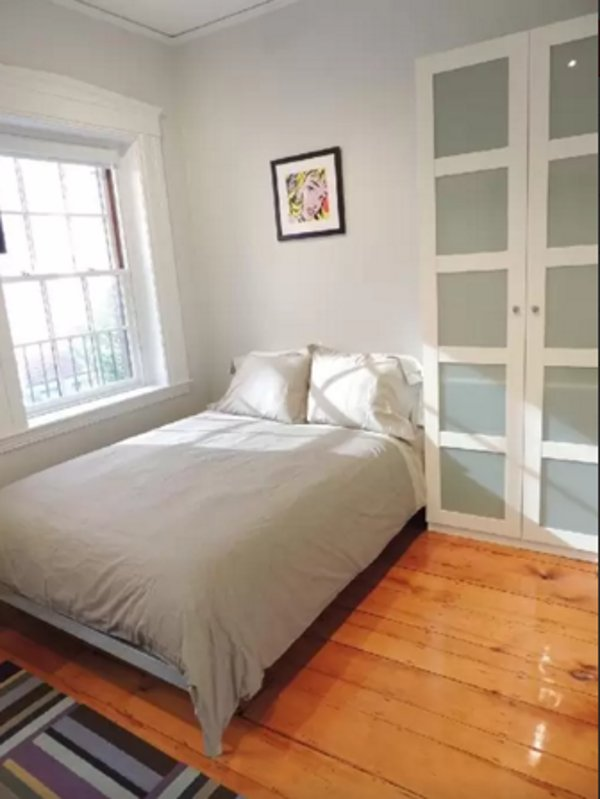 Bright and Sunny Studio Apartment in Beacon Hill - With Kitchenette - Image 1 - Boston - rentals