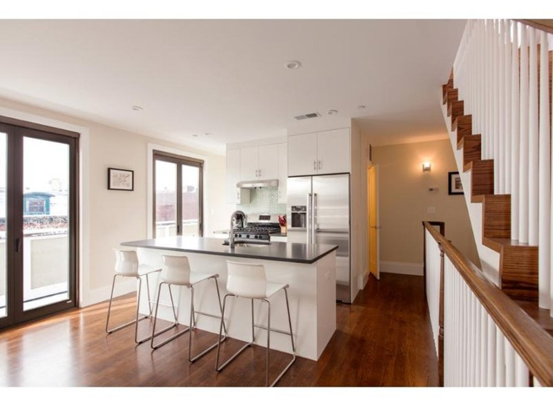 AESTHETIC AND VIBRANT FURNISHED 2 BEDROOM, 1.5 BATHROOM APARTMENT - Image 1 - Boston - rentals