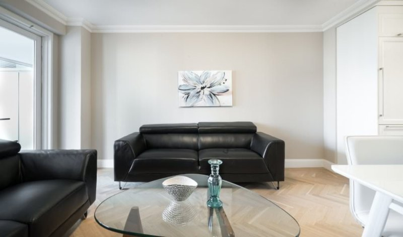 Sleek and Satisfying 2 Bedroom 2 Bathroom Apartment in Upper East Side - Image 1 - New York City - rentals