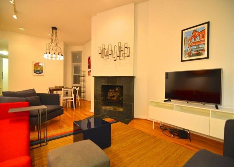 Furnished 3-Bedroom Apartment at N Wells St & W St Paul Ave Chicago - Image 1 - Chicago - rentals