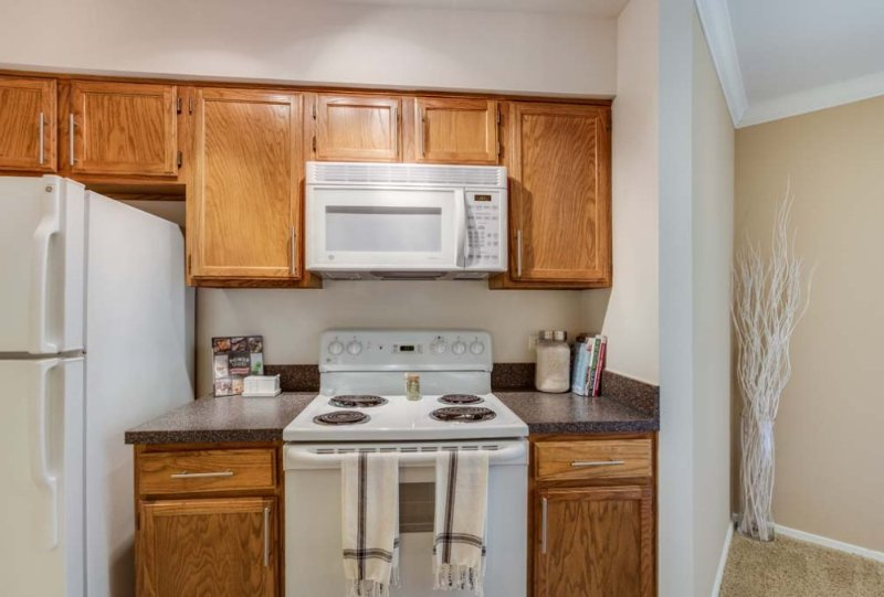 Furnished 2-Bedroom Apartment at Lincoln Meadows Dr & Aster Dr Schaumburg - Image 1 - Schaumburg - rentals