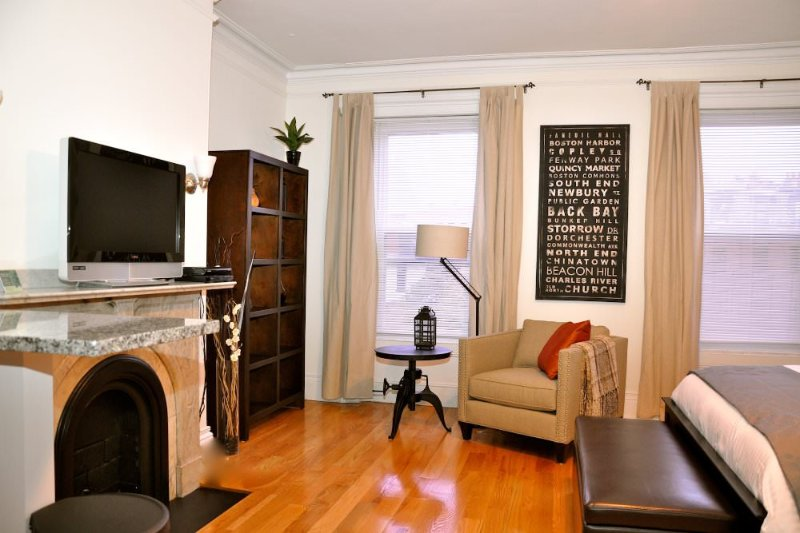 CHARMING, COZY AND FURNISHED STUDIO APARTMENT - Image 1 - Boston - rentals