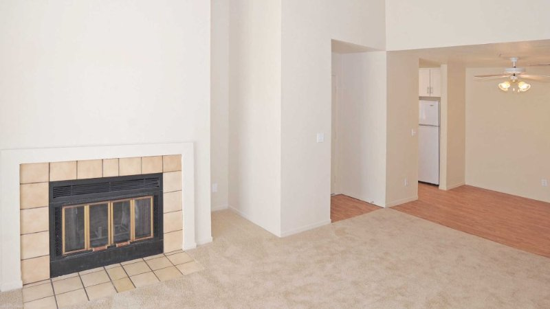 CHARMING AND FURNISHED 2 BEDROOM, 1 BATHROOM APARTMENT - Image 1 - Belmont - rentals