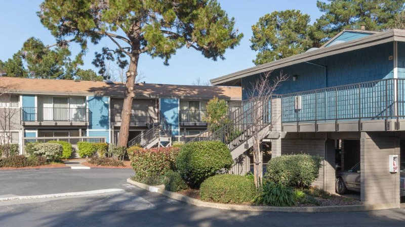 CLASSY 2 BEDROOMS, 1 BATHROOMS APARTMENT - Image 1 - Mountain View - rentals