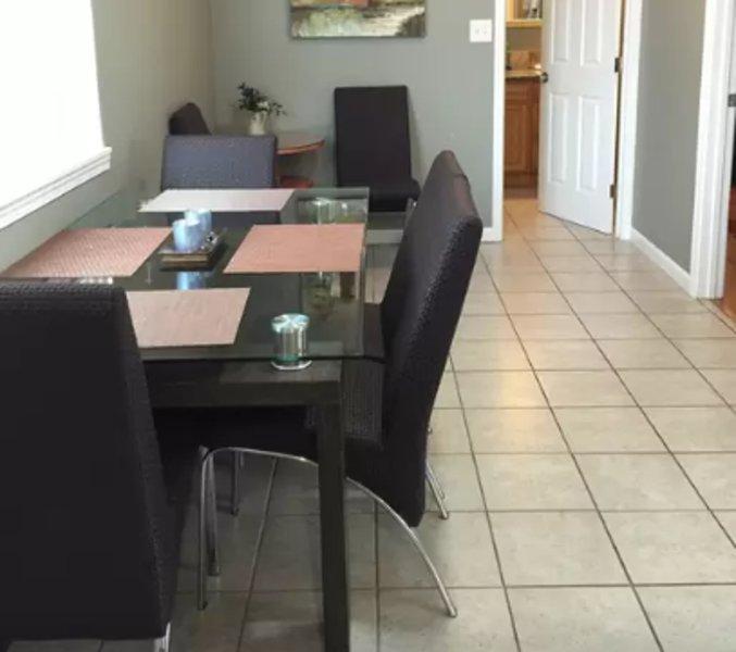 Charming and Neat Apartment - 1 Bedroom Unit in Tukwila - Image 1 - Tukwila - rentals