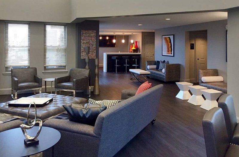 Impressive 1 Bedroom Apartment - Superb Property Amenities - Image 1 - Washington DC - rentals