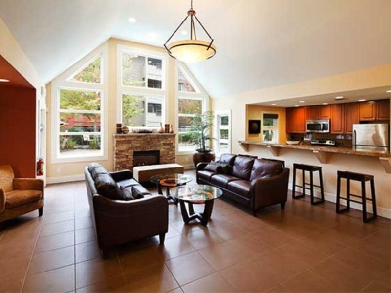 Sunny 1 Bedroom Apartment - Image 1 - Redmond - rentals