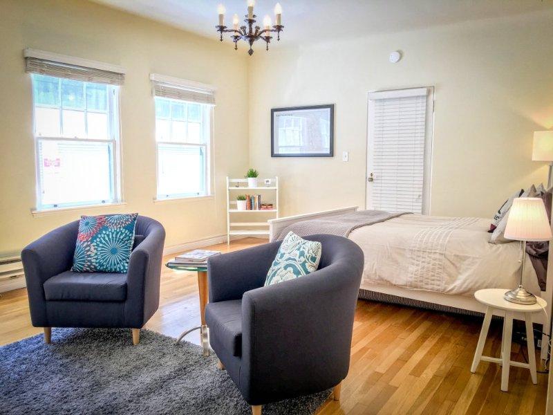 Furnished Studio Apartment at University Ave & Webster St Palo Alto - Image 1 - Green Bay - rentals