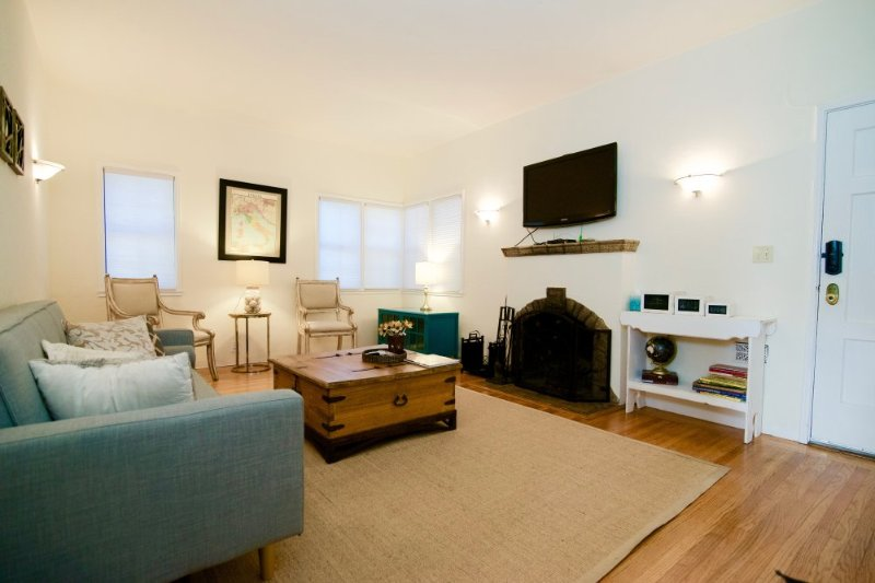Adorable and Charming 1 Bedroom Apartment with Fireplace - Image 1 - Redwood City - rentals