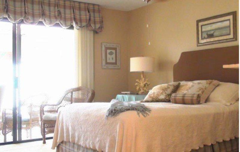 Furnished 2-Bedroom Apartment at Palmilla Dr & Porte De Palmas San Diego - Image 1 - San Diego - rentals