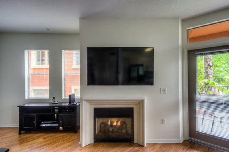 ALLURING FURNISHED 3 BEDROOM, 2.5 BATHROOM APARTMENT - Image 1 - Los Angeles - rentals