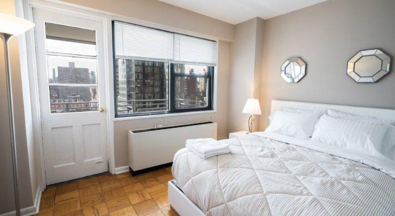 UPPER EAST SIDE - 2 BEDROOMS / 1 BATHROOM - Image 1 - Manhattan - rentals
