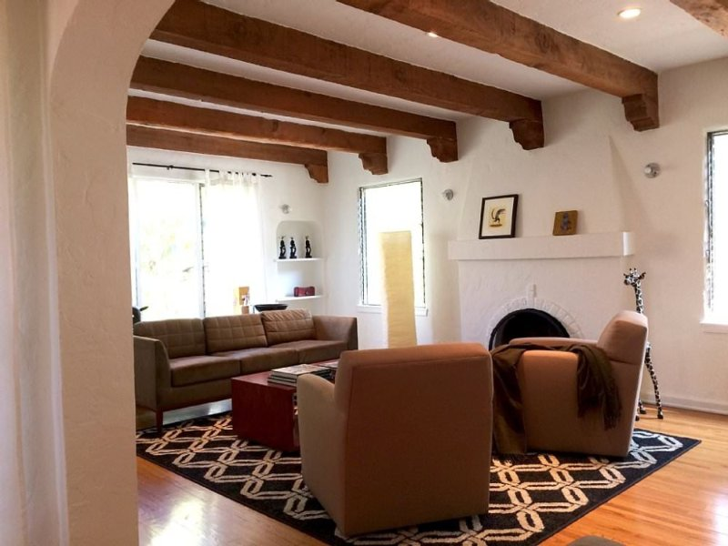 Furnished 2-Bedroom Home at Willoughby Ave & N Harper Ave West Hollywood - Image 1 - Los Angeles - rentals
