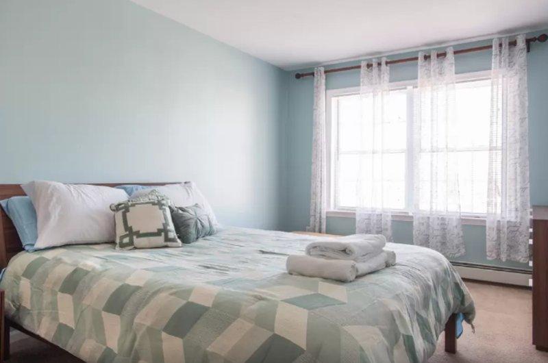 Furnished 3-Bedroom Apartment at Washington St & Guild St Boston - Image 1 - Boston - rentals