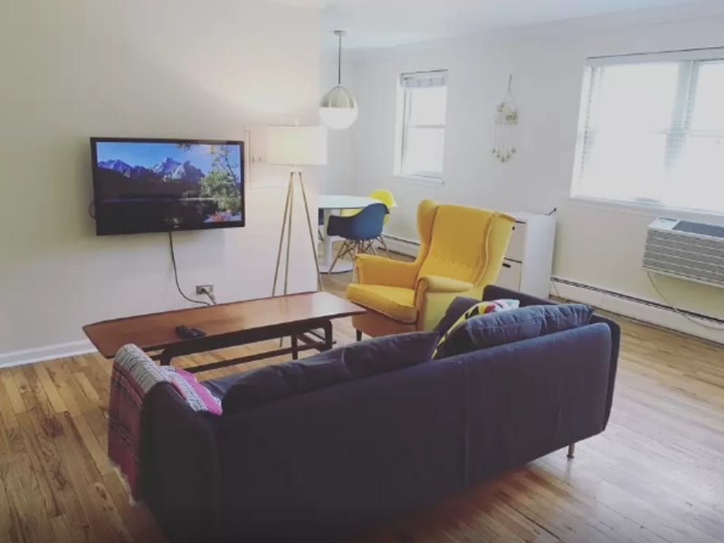 Furnished 1-Bedroom Apartment at N Kenmore Ave & W Thorndale Ave Chicago - Image 1 - Chicago - rentals
