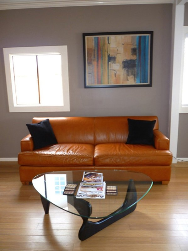 CHARMING FURNISHED 3 BEDROOM, 1 BATHROOM APARTMENT - Image 1 - Venice Beach - rentals